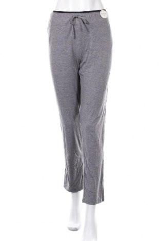 Пижама Etam, Размер L, Цвят Сив, 62% полиестер, 33% вискоза, 5% еластан, Цена 31,85лв.