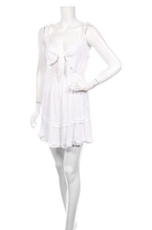 Рокля Boohoo, Размер M, Цвят Бял, 100% вискоза, Цена 7,92лв.
