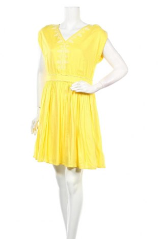 Рокля Caroll, Размер L, Цвят Жълт, Вискоза, Цена 95,40лв.