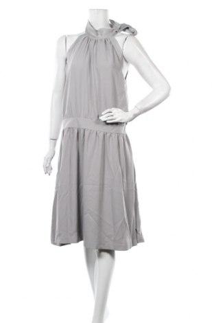 Рокля Jacqueline Riu, Размер XL, Цвят Сив, 71% полиестер, 29% еластан, Цена 26,92лв.