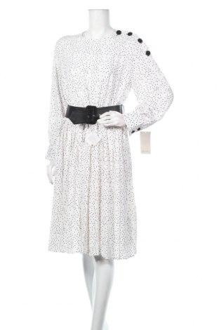 Рокля Zara, Размер XL, Цвят Бял, 96% полиестер, 4% еластан, Цена 62,30лв.
