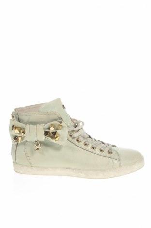 Női cipők Cesare P.