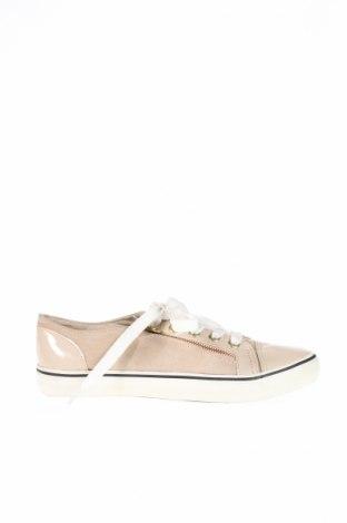 Γυναικεία παπούτσια House