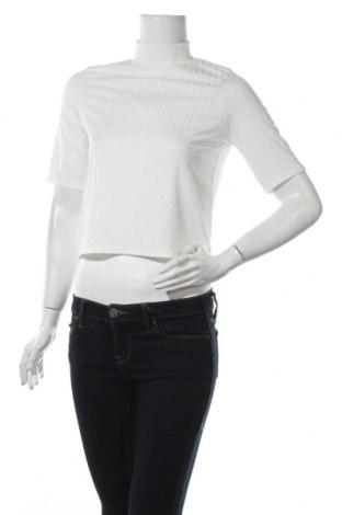Дамска блуза Nasty Gal, Размер XS, Цвят Бял, 95% полиестер, 5% еластан, Цена 28,22лв.