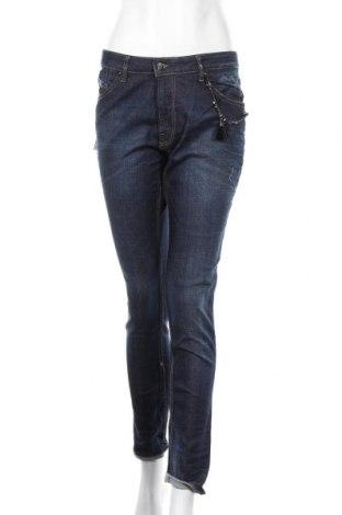 Дамски дънки Kaporal, Размер M, Цвят Син, 98% памук, 2% еластан, Цена 55,30лв.