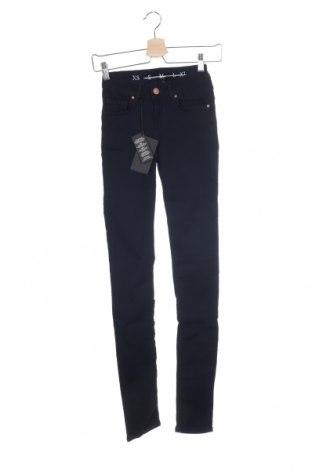 Дамски дънки Never Denim, Размер XS, Цвят Син, 65% памук, 31% полиестер, 4% еластан, Цена 27,30лв.