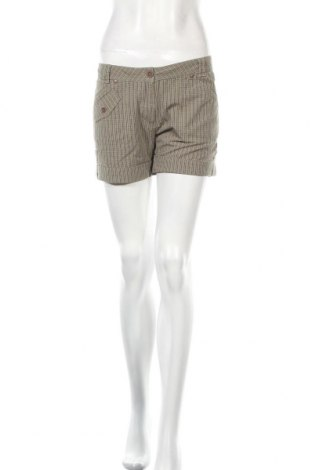 Γυναικείο κοντό παντελόνι Champion, Μέγεθος M, Χρώμα Πράσινο, Βαμβάκι, Τιμή 10,05€