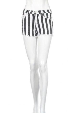 Γυναικείο κοντό παντελόνι Lefties, Μέγεθος S, Χρώμα Λευκό, 98% βαμβάκι, 2% ελαστάνη, Τιμή 6,20€
