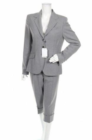 Дамски костюм Trussardi, Размер XL, Цвят Сив, 53% полиестер, 43% вълна, 4% еластан, Цена 194,25лв.