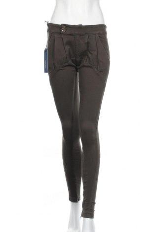 Дамски панталон Miss Sixty, Размер XS, Цвят Зелен, 69% памук, 28% полиестер, 3% еластан, Цена 25,49лв.