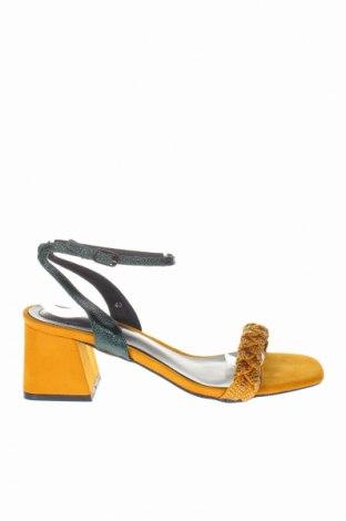 Σανδάλια Noa Harmon, Μέγεθος 40, Χρώμα Κίτρινο, Κλωστοϋφαντουργικά προϊόντα, δερματίνη, Τιμή 47,54€