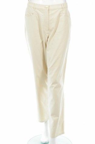 Дамски панталон Gerry Weber, Размер L, Цвят Бежов, 60% памук, 37% полиамид, 3% еластан, Цена 8,34лв.
