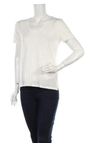 Γυναικείο t-shirt Aware by Vero Moda, Μέγεθος S, Χρώμα Λευκό, 95% lyocell, 5% ελαστάνη, Τιμή 5,20€