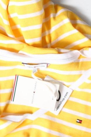 Дамска тениска Tommy Hilfiger, Размер XS, Цвят Жълт, Памук, Цена 42,92лв.