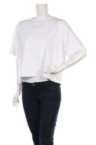 Дамска тениска Weekday, Размер M, Цвят Бял, 93% памук, 7% еластан, Цена 24,00лв.