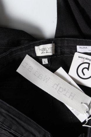Дамски дънки, Размер L, Цвят Сив, 68% памук, 30% полиестер, 2% еластан, Цена 37,20лв.