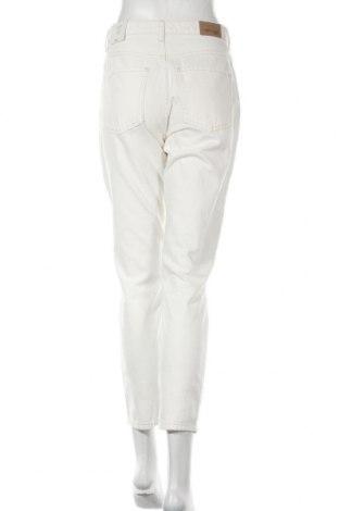 Дамски дънки Perfect Jeans By Gina Tricot, Размер S, Цвят Бял, 100% памук, Цена 42,75лв.