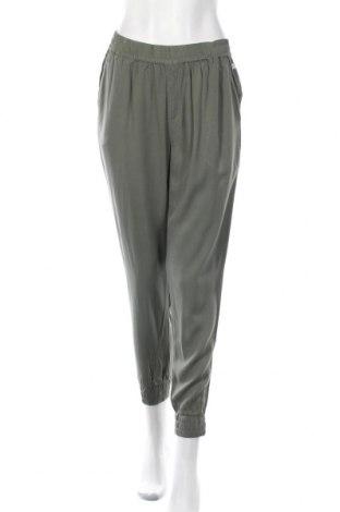 Дамски панталон Iriedaily, Размер M, Цвят Зелен, Вискоза, Цена 24,96лв.