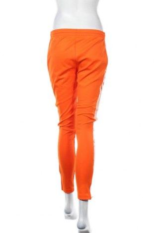 Дамско спортно долнище Adidas Originals, Размер S, Цвят Оранжев, 70% полиестер, 25% памук, 5% еластан, Цена 34,50лв.
