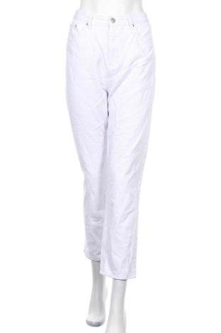 Дамски дънки Boohoo, Размер M, Цвят Бял, 95% памук, 5% полиестер, Цена 33,15лв.