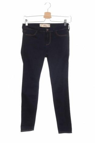 Дамски дънки Hollister, Размер XS, Цвят Син, 66% памук, 18% вискоза, 14% полиестер, 2% еластан, Цена 44,25лв.