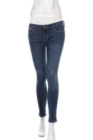 Дамски дънки Hollister, Размер S, Цвят Син, 79% памук, 18% полиестер, 2% вискоза, 1% еластан, Цена 42,75лв.