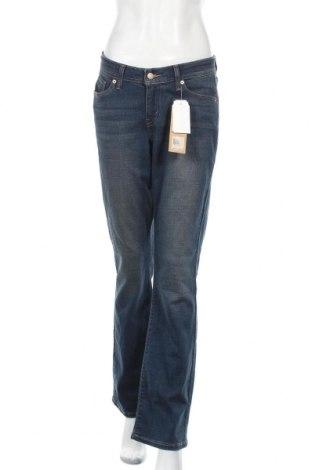 Дамски дънки Levi's, Размер M, Цвят Син, 60% памук, 23% вискоза, 16% полиестер, 1% еластан, Цена 53,87лв.