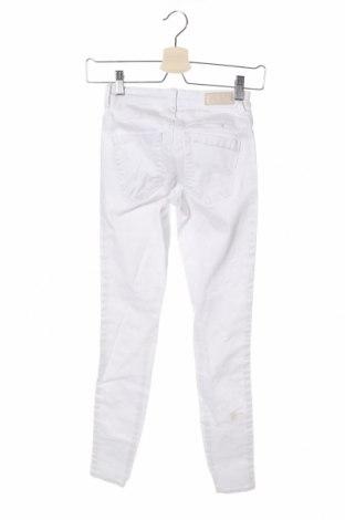 Дамски дънки ONLY, Размер XS, Цвят Бял, 68% лиосел, 30% памук, 2% еластан, Цена 37,70лв.