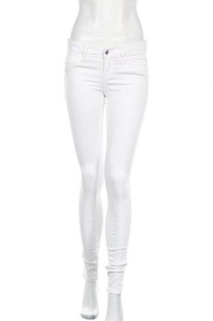 Дамски дънки Tom Tailor, Размер XS, Цвят Бял, 98% памук, 2% еластан, Цена 34,20лв.