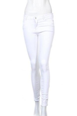 Дамски дънки Vero Moda, Размер S, Цвят Бял, 65% памук, 33% полиестер, 2% еластан, Цена 27,84лв.