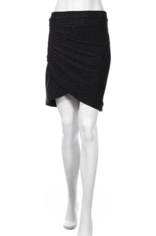 Пола H&M, Размер M, Цвят Черен, 96% полиестер, 4% еластан, Цена 25,50лв.