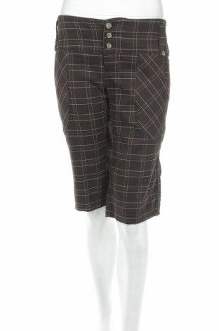 Γυναικείο κοντό παντελόνι Vero Moda, Μέγεθος M, Χρώμα Καφέ, 64% πολυεστέρας, 34% βισκόζη, 2% ελαστάνη, Τιμή 3,91€