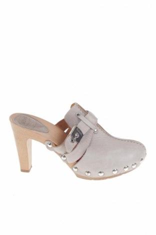de17e1387c2f Dámske topánky Scholl - za výhodnú cenu na Remix -  8660427