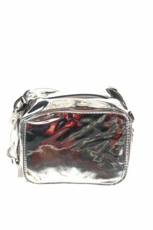 Дамска чанта, Цвят Сребрист, Еко кожа, Цена 21,16лв.