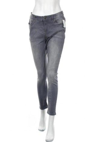 Дамски дънки, Размер M, Цвят Сив, 62% памук, 23% полиестер, 13% вискоза, 2% еластан, Цена 22,58лв.