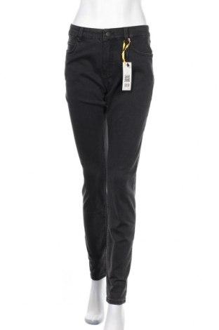 Дамски дънки Set, Размер L, Цвят Черен, 65% памук, 31% полиестер, 4% еластан, Цена 114,92лв.