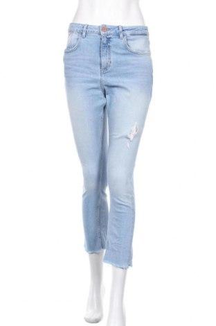 Дамски дънки Zara, Размер M, Цвят Син, 99% памук, 1% еластан, Цена 24,36лв.