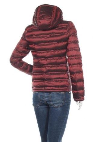 Дамско яке Invicta, Размер XS, Цвят Червен, Полиамид, Цена 221,25лв.