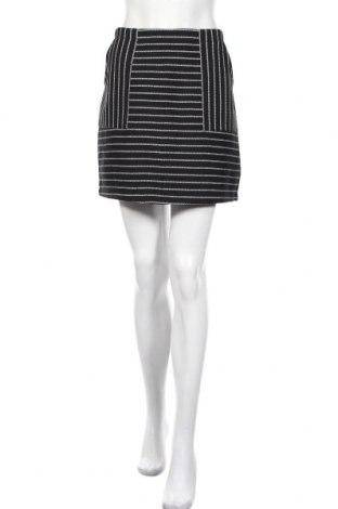 Пола New Look, Размер L, Цвят Черен, 53% полиестер, 29% памук, 11% вискоза, 6% лиосел, 1% еластан, Цена 6,80лв.