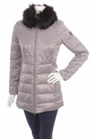 5e0167e8692 Γυναικείο μπουφάν Emporio Armani - αγοράστε σε τιμή που συμφέρει στο ...