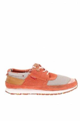 Γυναικεία παπούτσια Levi's
