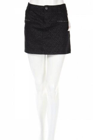Пола Clockhouse, Размер XL, Цвят Черен, 71% памук, 27% полиестер, 2% други тъкани, Цена 9,36лв.