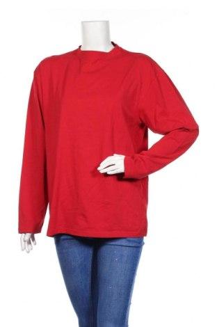 Дамска блуза Authentic Clothing Company, Размер XL, Цвят Червен, 95% памук, 5% еластан, Цена 15,75лв.