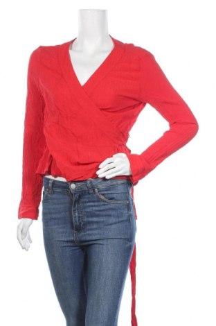 Дамска блуза Monki, Размер M, Цвят Червен, Вискоза, Цена 12,60лв.