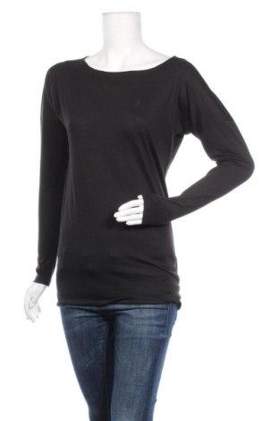 Дамска блуза Peak Performance, Размер XS, Цвят Черен, 65% полиестер, 35% памук, Цена 31,12лв.