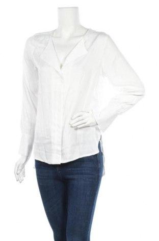 Дамска риза Free Quent, Размер XS, Цвят Бял, 57% полиестер, 43% вискоза, Цена 20,01лв.