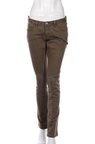 Дамски дънки Esprit, Размер M, Цвят Зелен, 99% памук, еластан, Цена 29,40лв.