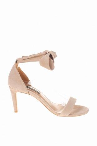 Γυναικεία παπούτσια Gino Rossi, Μέγεθος 39, Χρώμα  Μπέζ, Φυσικό σουέτ, Τιμή 46,54€