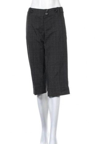 Дамски панталон H&M, Размер M, Цвят Сив, 64% полиестер, 34% вискоза, 2% еластан, Цена 7,25лв.