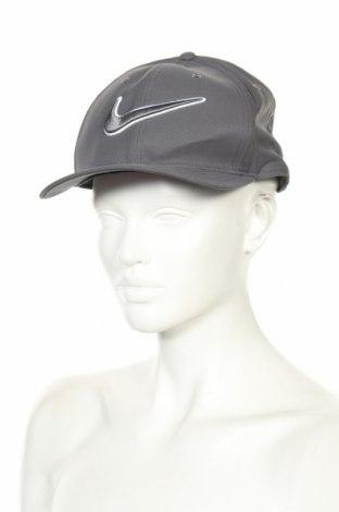 Шапка Nike Golf, Цвят Сив, Полиестер, Цена 38,59лв.